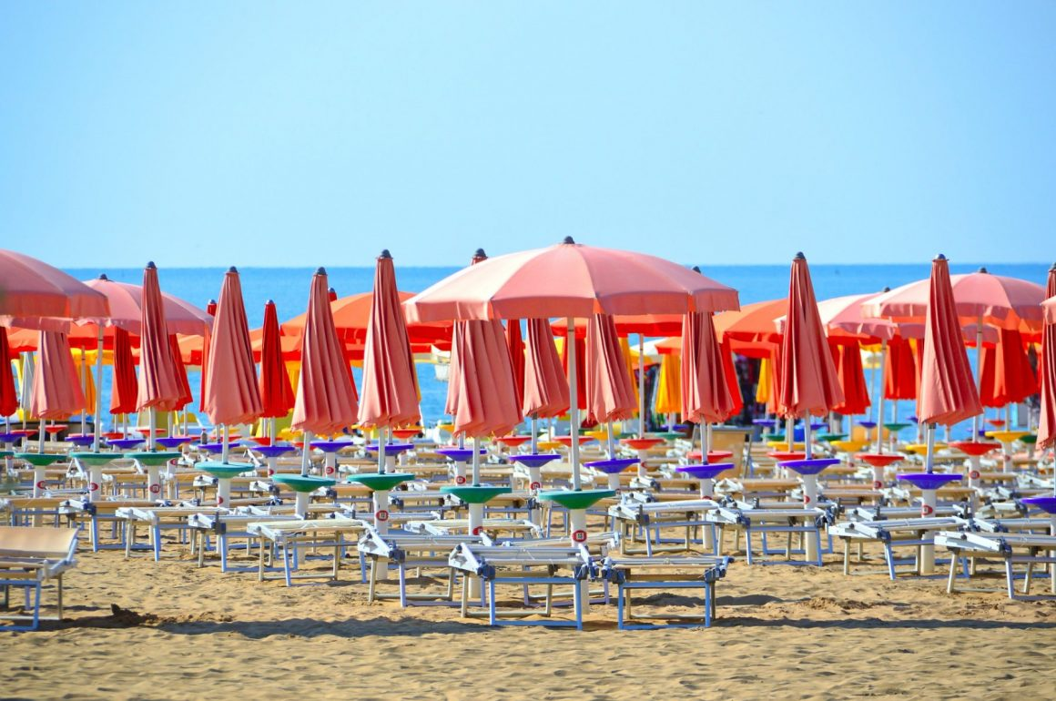 beach-3499472_1920