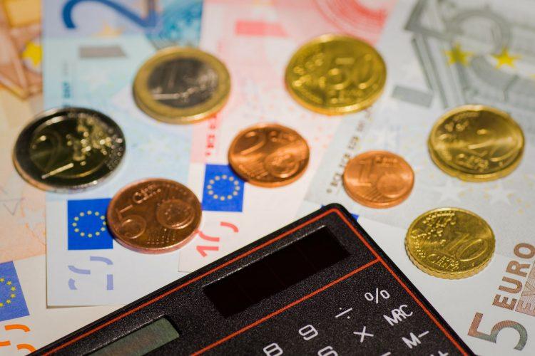 money-167733_1920