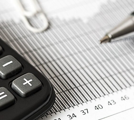 calculator-1680905_1280 (1)