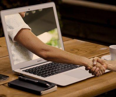 handshake-3382503_1280