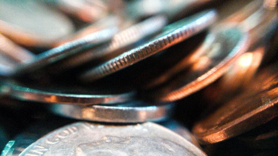 Годишната инфлация падна под здравословните нива