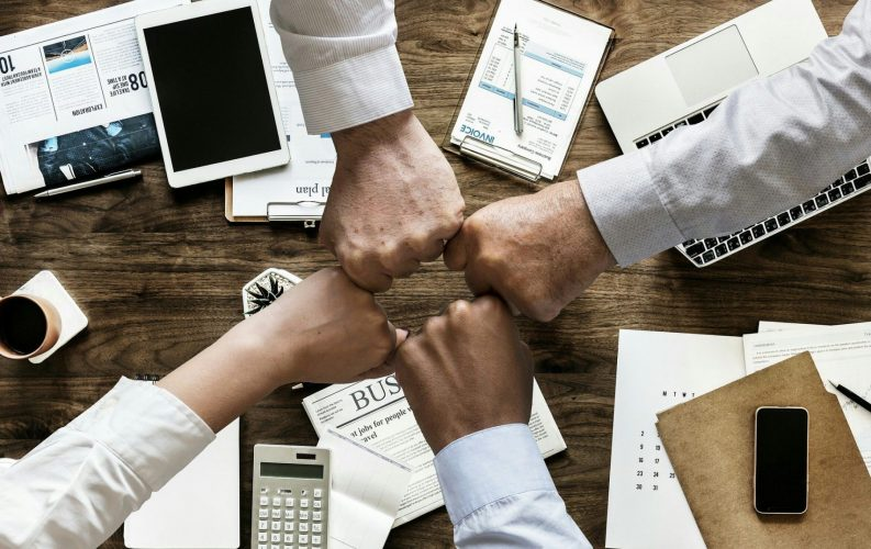 Защо позитивната офисна култура е особено важна сега