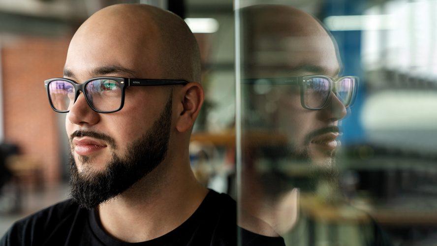 Как 24-годишният Руслан Летейски превърна Checkout X в компания за милиони