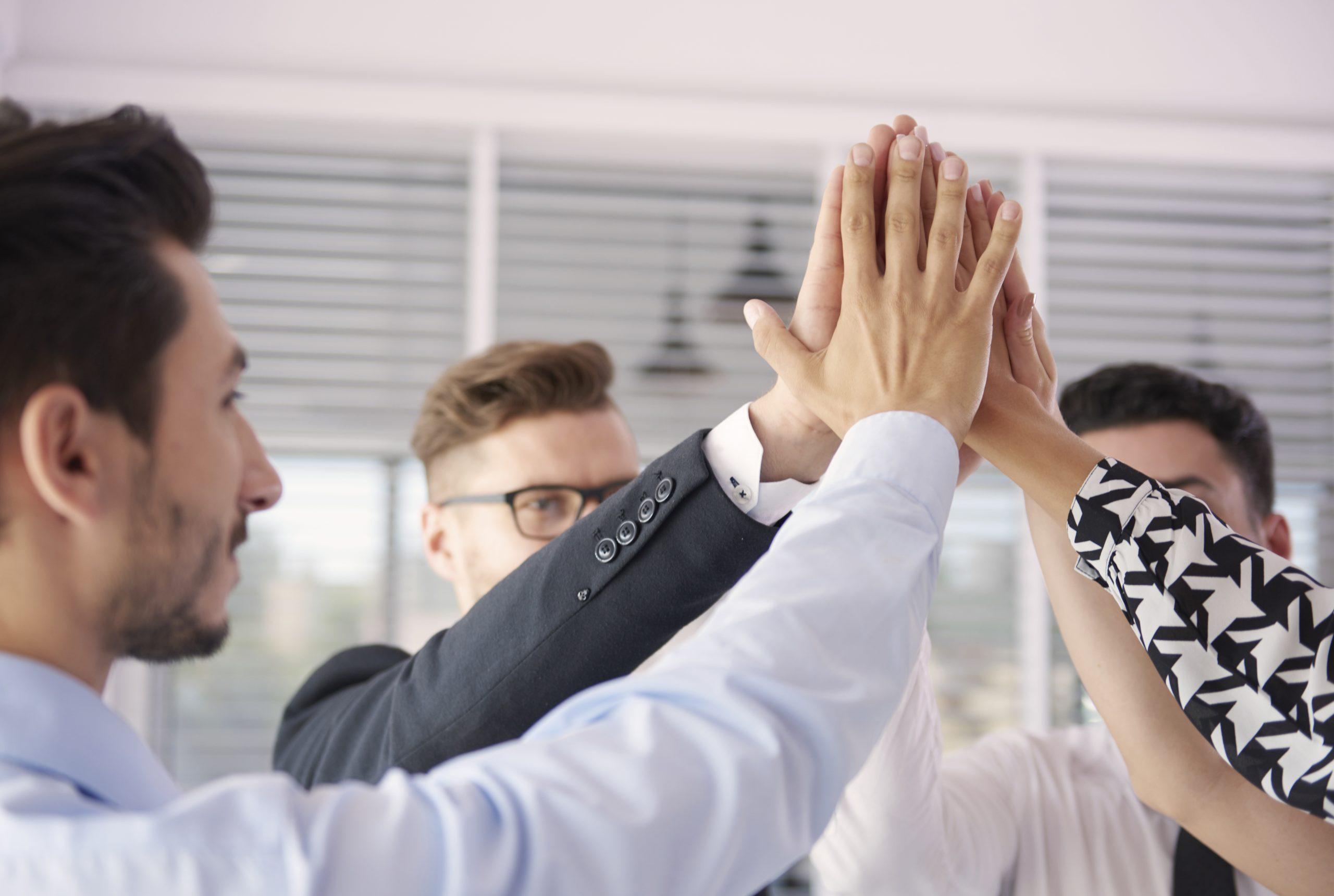 Успехът на другите. Как техники от импровизационния театър подобряват мотивацията на екипа?