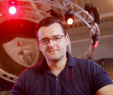 Как влогърът Слави Панайотов натрупа армия от над 1 млн. абонати в YouTube