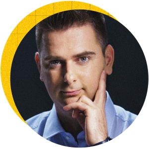 Реализирайки своята идея за онлайн супермаркет, Иван Александров буквално пренаписа правилата на играта на пазара за бързооборотни стоки в България. Следващата му цел е eBag да се превърне в компания с годишни приходи от над 100 млн. лв.