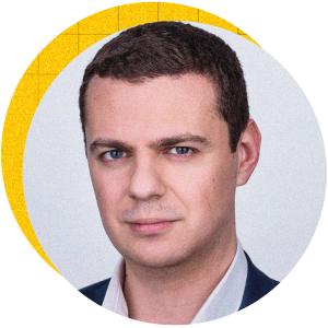 Димитър Костов ръководи отдела, отговарящ за потребителското преживяване с продуктите с намален риск във Филип Морис България. В компанията е от 10 години, като досега е преминал през различни позиции в областта на финансите, продажбите, планирането и маркетинга.
