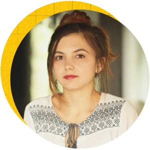 Вероника Петрова се стреми към радикална промяна в общуването между организациите и потребителите им чрез практики за съвместно създаване на иновации. Петрова е Research Lead в launchlabs Sofia, където се фокусира върху първата стъпка от осъществяването им - потребителските проучвания.